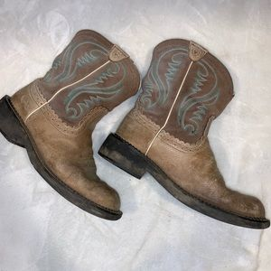 Ariats Fat baby Boots size 8.5